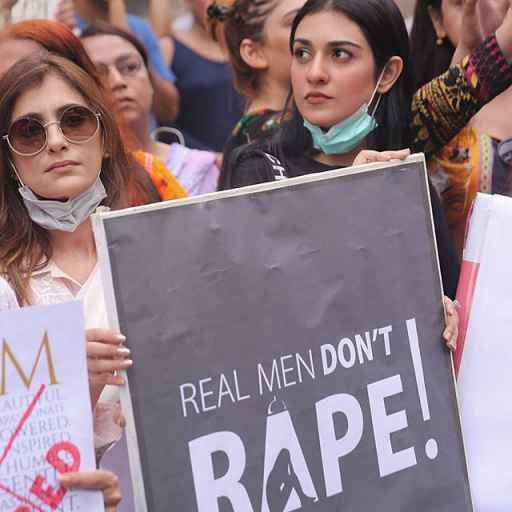 Ayesha Omar Mahira Khan Sarah Khan And Others Attend Protest For Motorway Rape Case 5