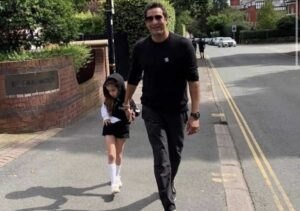 Wasim Akram Gave A Fitting Reply To Hater (4)